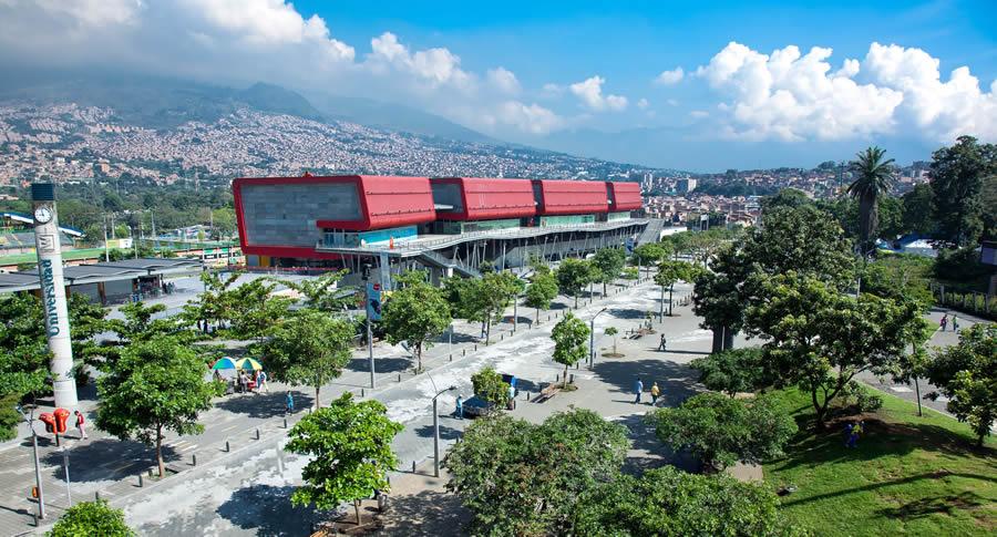 InicioEl Gobierno Nacional, Medellín y el Foro Económico Mundial trabajan para la creación de un centro regional para la Cuarta Revolución Industrial. El Gobierno Nacional, Medellín y el Foro Económico Mundial trabajan para la creación de un centro regional para la Cuarta Revolución Industrial