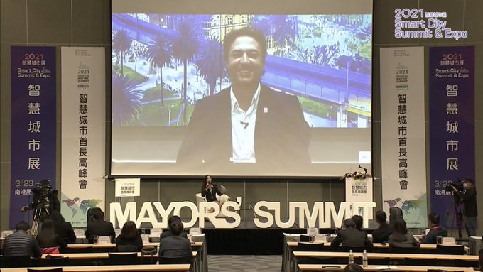 Medellín expone estrategia de Ecociudad y Valle del Software ante alcaldes del mundo en el Taipei Smart City Summit & Expo